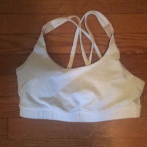 Lululemon sports bra size 6 (fits small)